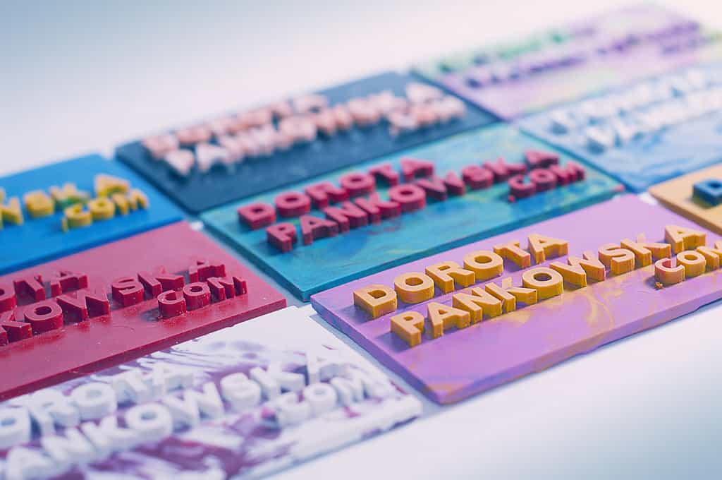 Daily Inspiration: Colorful and Trendy Crayon Business Cards