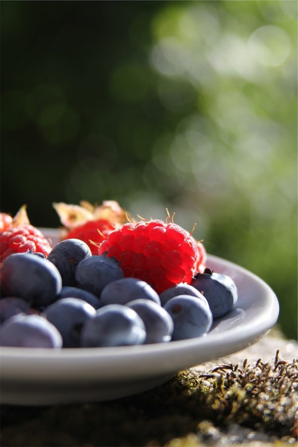 bluberries and raspberries